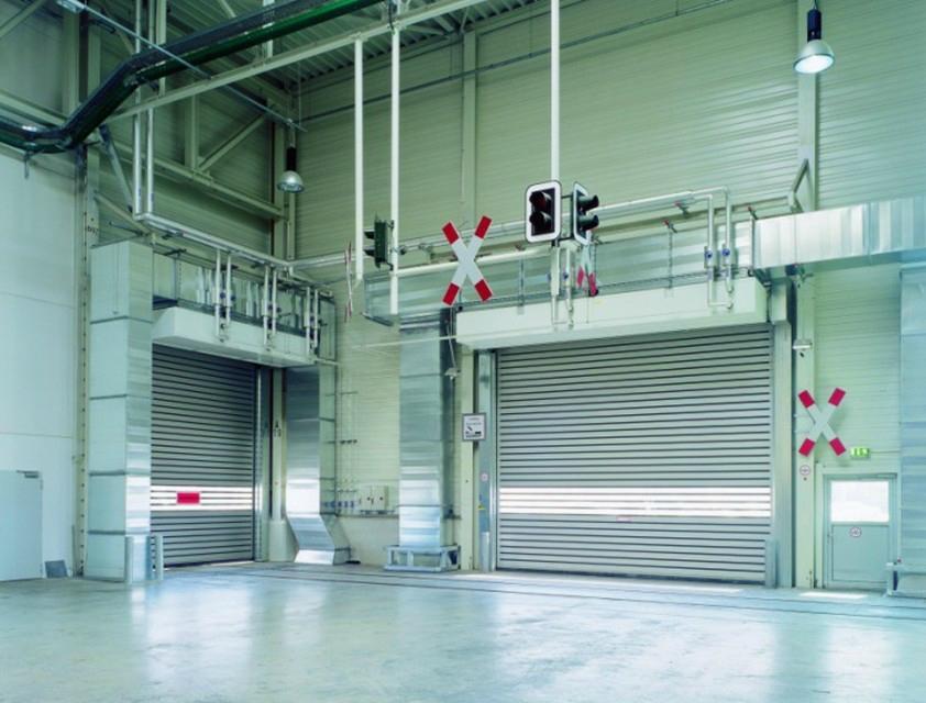 Rapid aluminium turbine lifting door 2