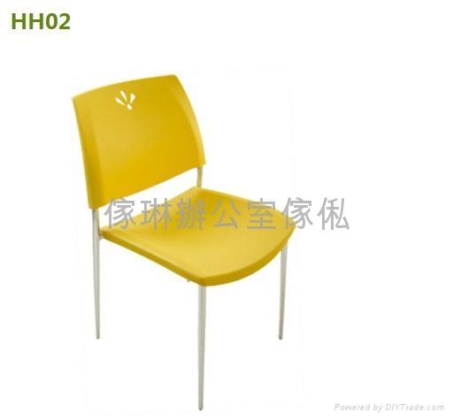 膠疊椅 1