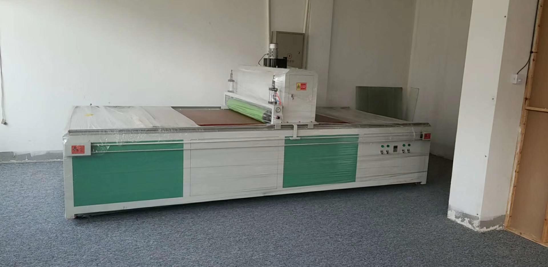 河北PVC光油机直供广告行业PVC光油机 1