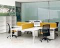 職員桌 3