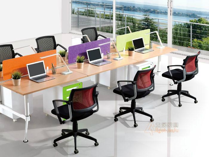 職員桌 2