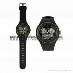 新款多功能双时双显运动手表