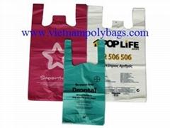 T-shirt handle plastic bags