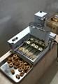 新款4排商用甜甜圈机大产量多拿