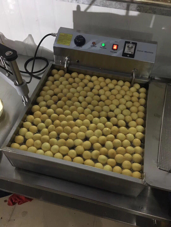 Electric 3000W Donut Fryer Machine/Doughnut Ball Maker