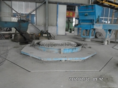 Concrete pipe machine with Vertical Vibration Technology