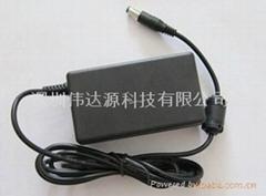 12V8A桌面式电源适配器