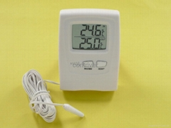 TT03 數顯室內外溫度計