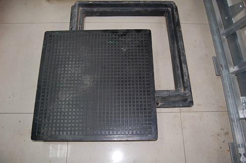 Composite square manhole cover