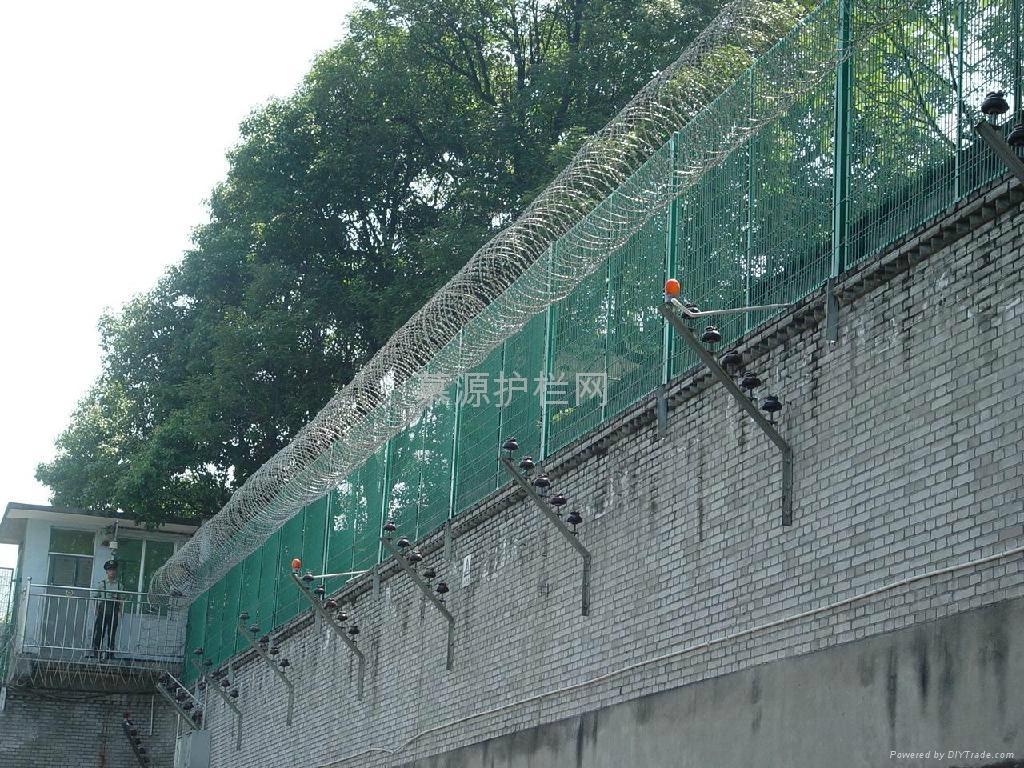 监狱隔离网 3