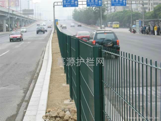 高速路隔离网 1