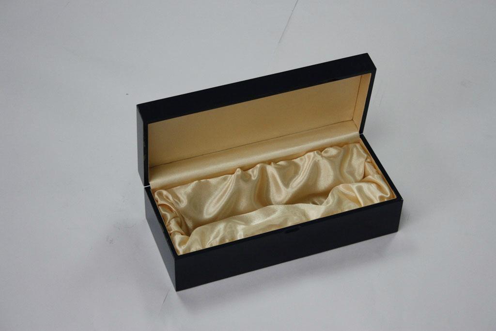 High-grade wine packaging box piano paint 4