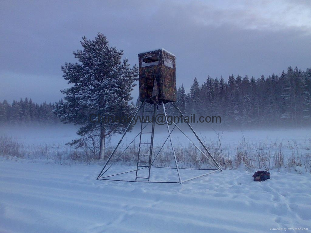 Hunting Tower in Big Snow