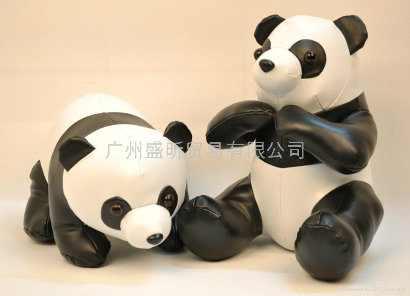 PU皮熊猫公仔 3