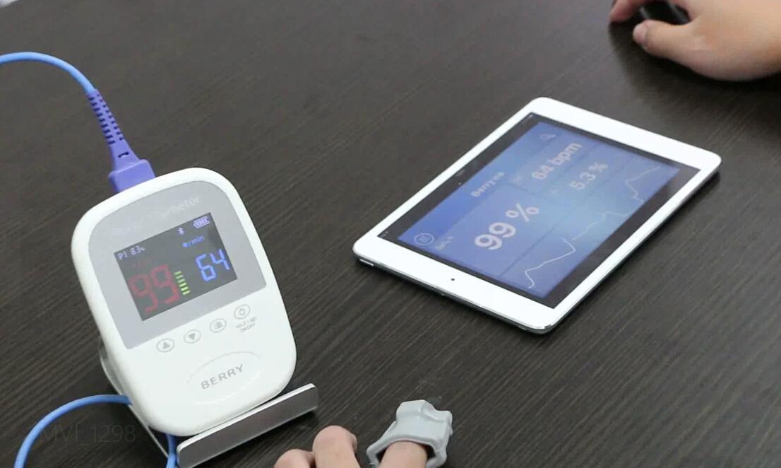 CE/FDA批准的SpO2监护仪手持指尖脉搏血氧计 2