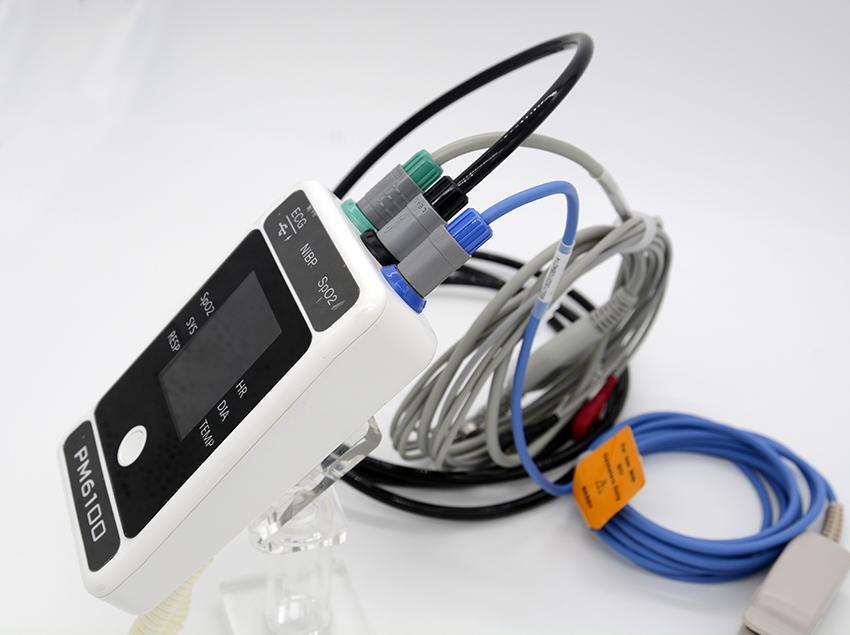 价格便宜屏幕大的便携患者监护仪 8