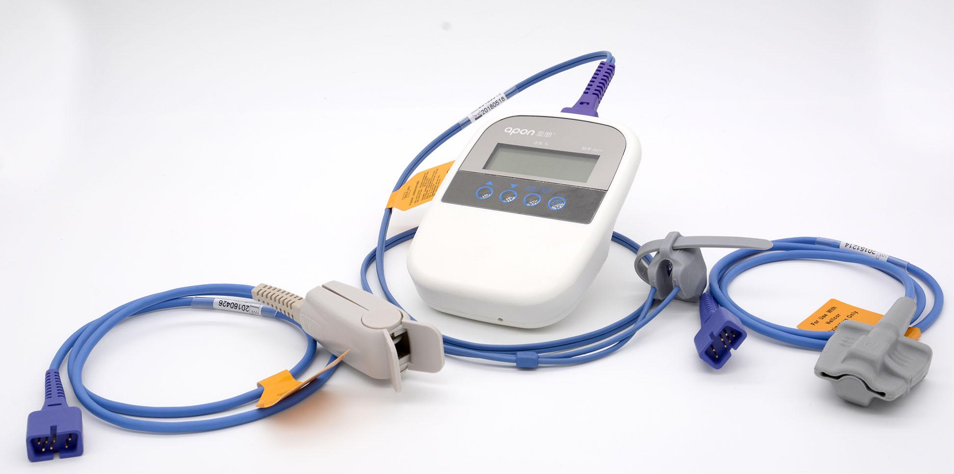 CE/FDA批准的SpO2监护仪手持指尖脉搏血氧计 3