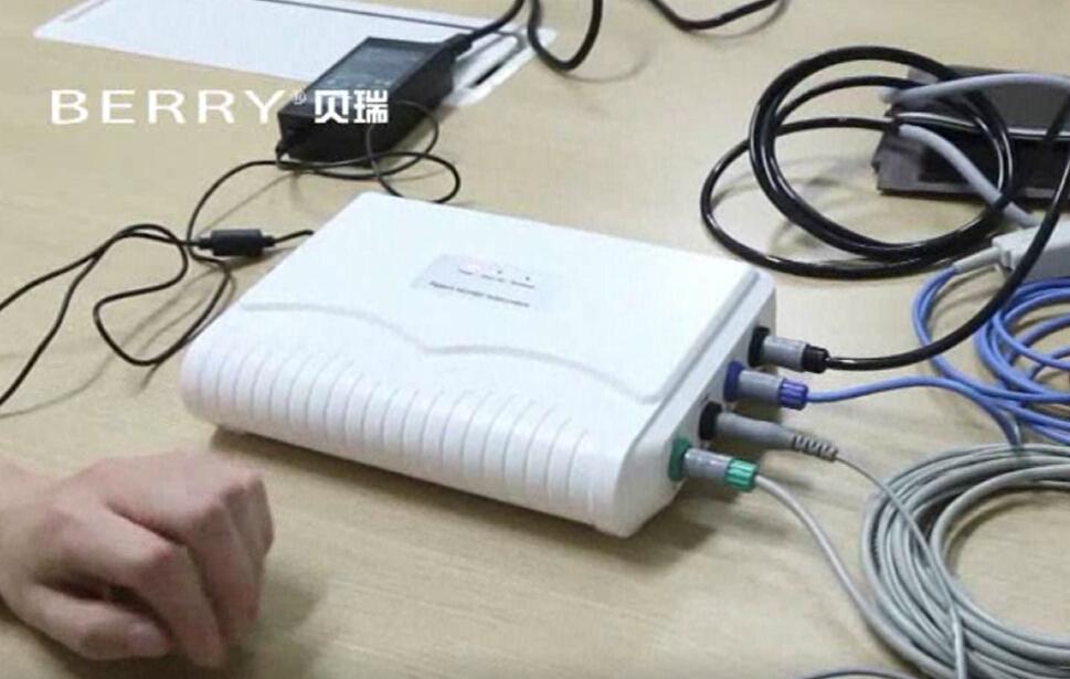 帶有心電/呼吸/動脈血氧飽和度/脈搏/血壓/體溫的監測儀 2