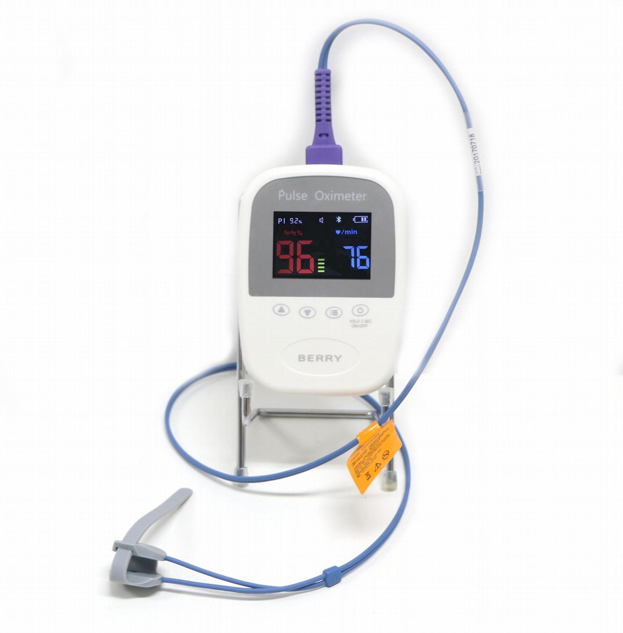 直接为儿童和成人供应的医疗手持式数字脉搏血氧仪 4