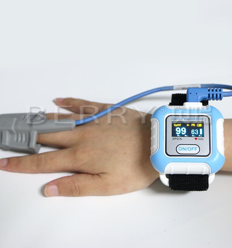 醫學腕式用於睡眠呼吸暫停症狀手指藍牙脈搏血氧儀 2