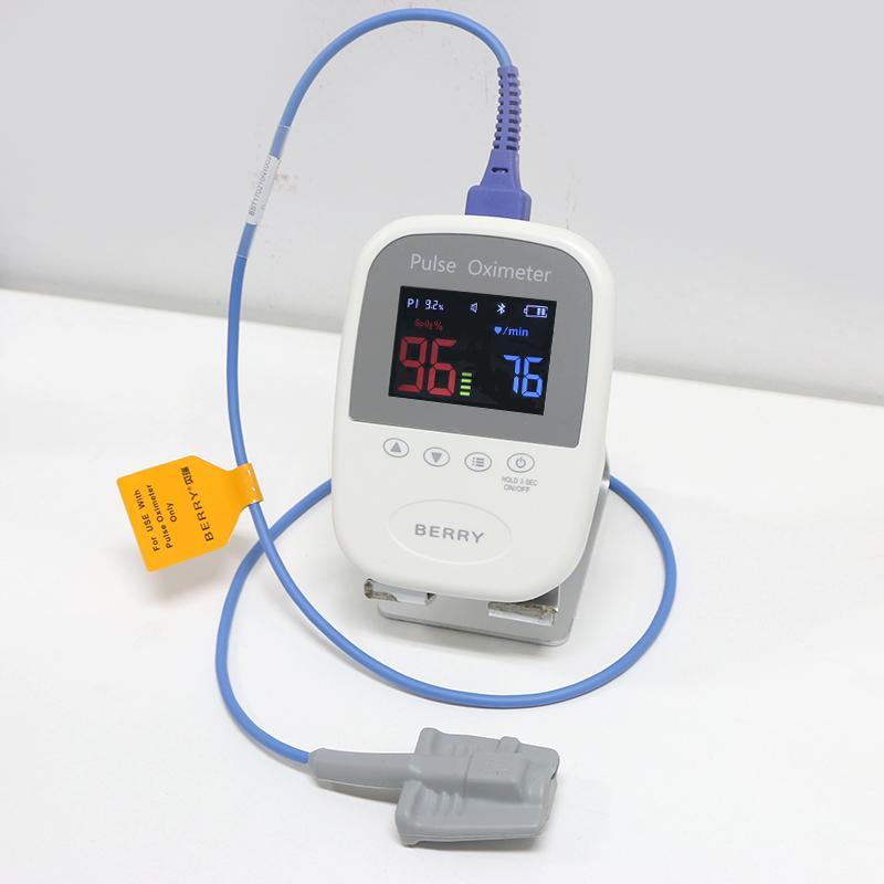 CE认证价格低廉的OLED屏手持式脉搏血氧仪 2