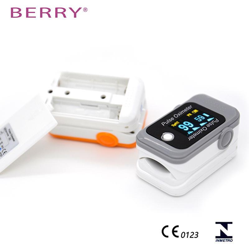热卖的不同颜色的OLED屏指尖蓝牙脉搏血氧仪 3