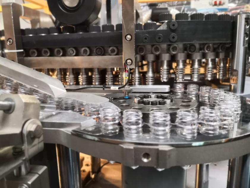15000bph Auto PET bottle blow molding machine 2