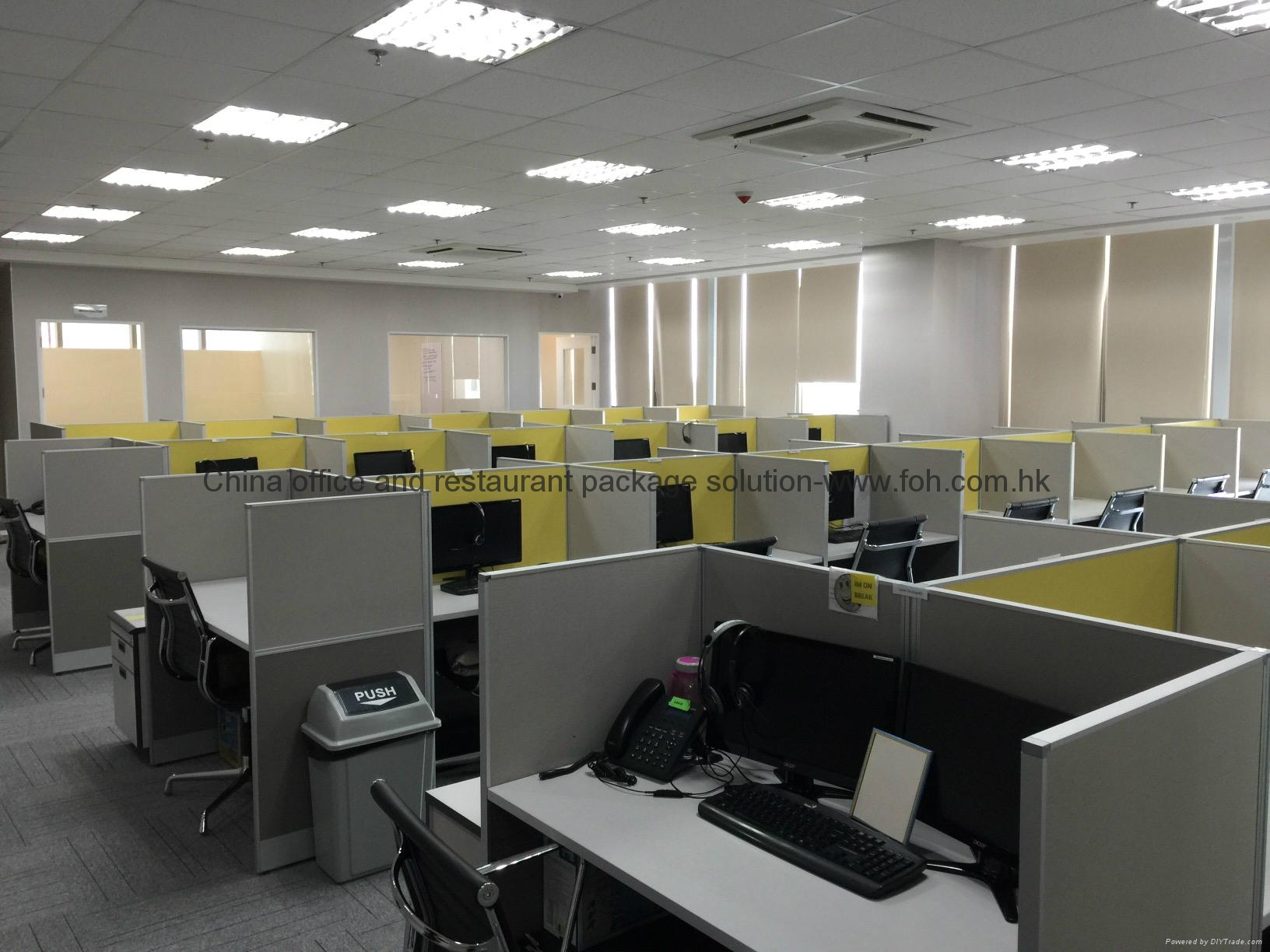 modern telesales tables and chairs 1