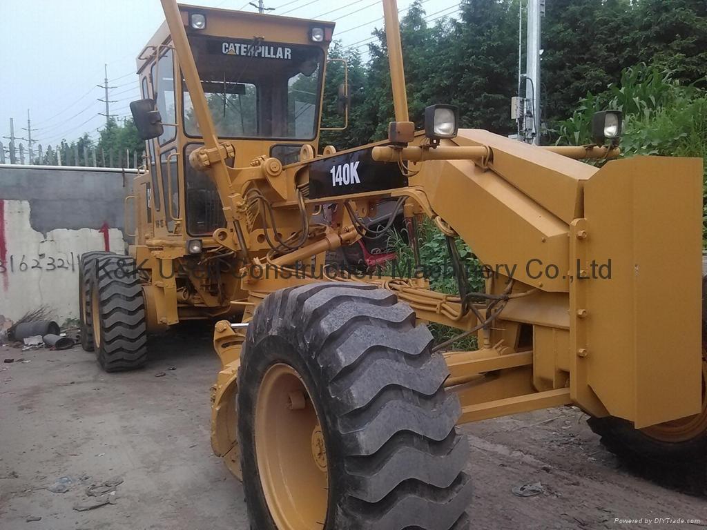 Used  caterpillar 140K motor grader 1