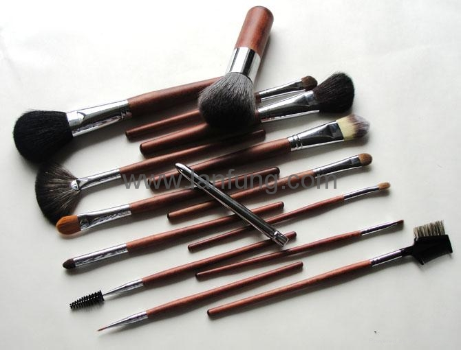 Professional makeup brush set 3