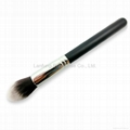 Tapered makeup brush 1