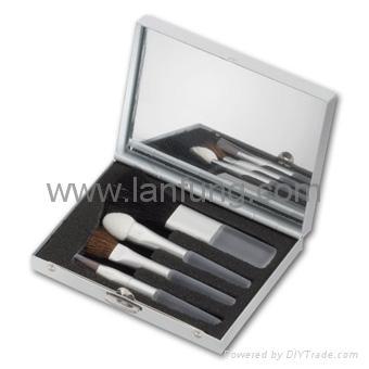Mini makeup brush set 1