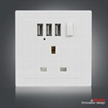 UK Wall Socket with 3 USB Port and