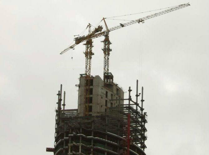 Tower Crane Climbing : Inside climbing tower crane qtz hongda tielishi china