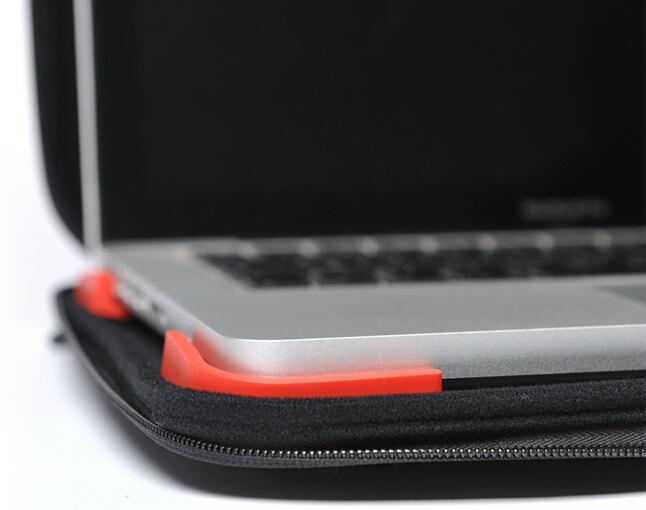 Apple 13 inch Laptop Bubble Sleeve Case 4