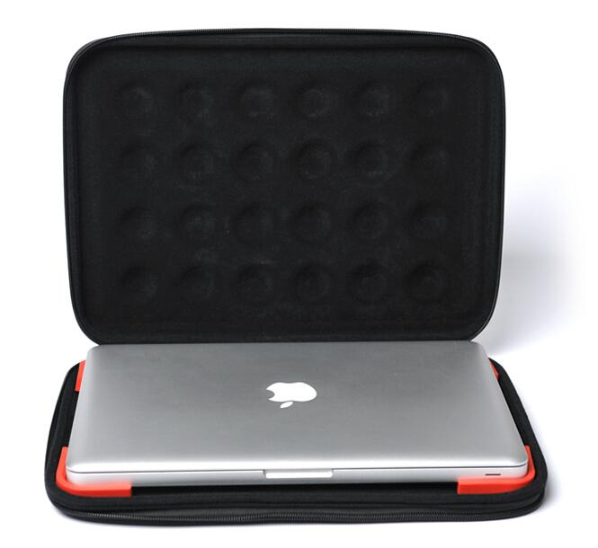 Apple 13 inch Laptop Bubble Sleeve Case 3