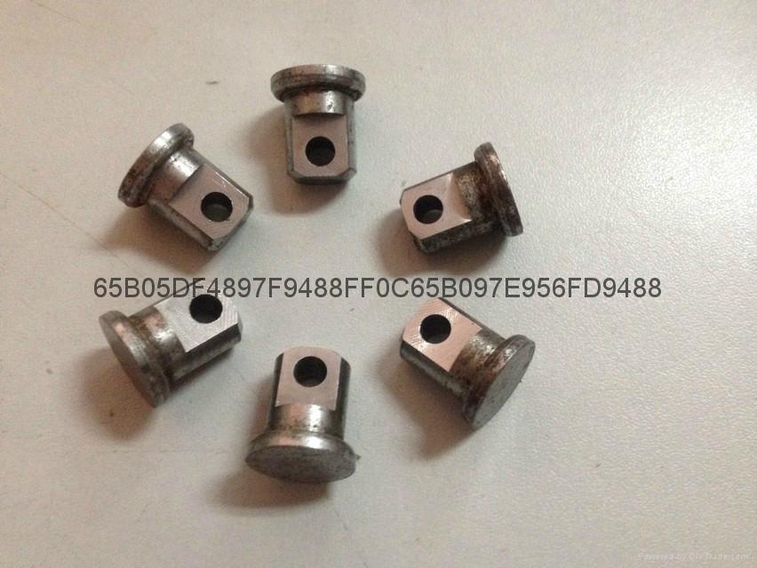 自動銑槽銑扁鑽孔機 2