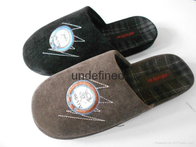 men indoor slipper 1