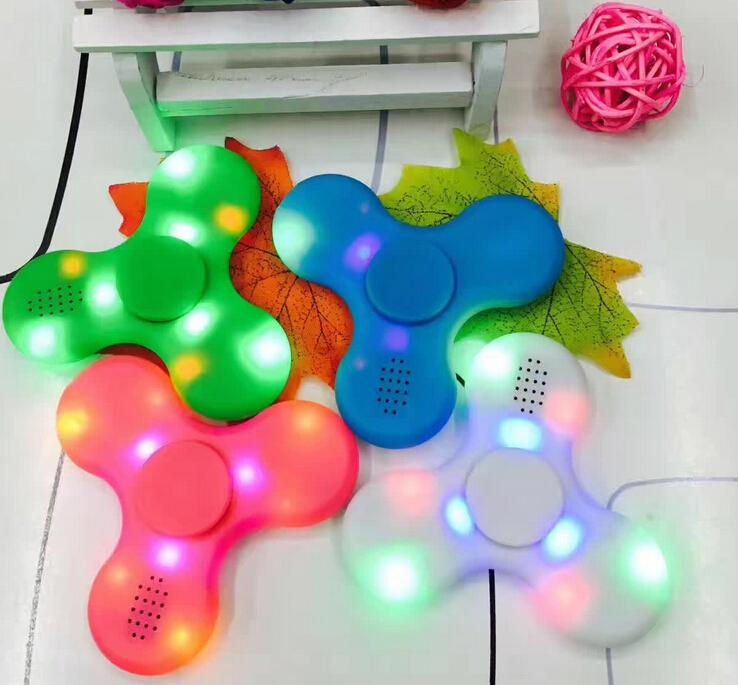 Hot Prodcut New  LED Bluetooth Speaker Hand Spinner Toy 5