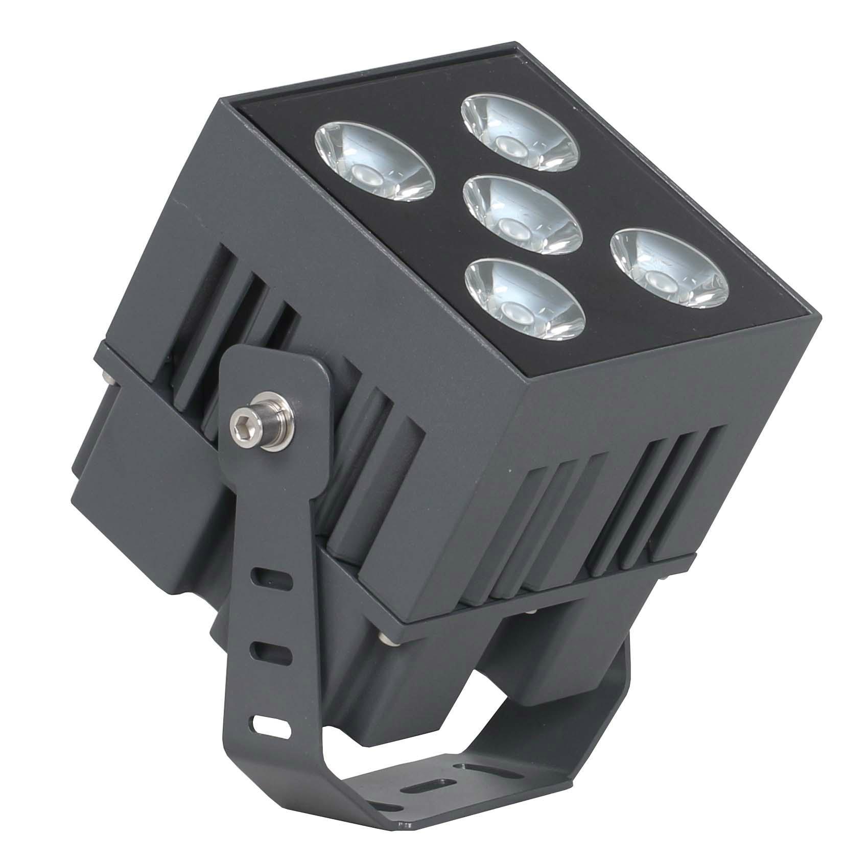 新款出模LED大功率投光燈 1
