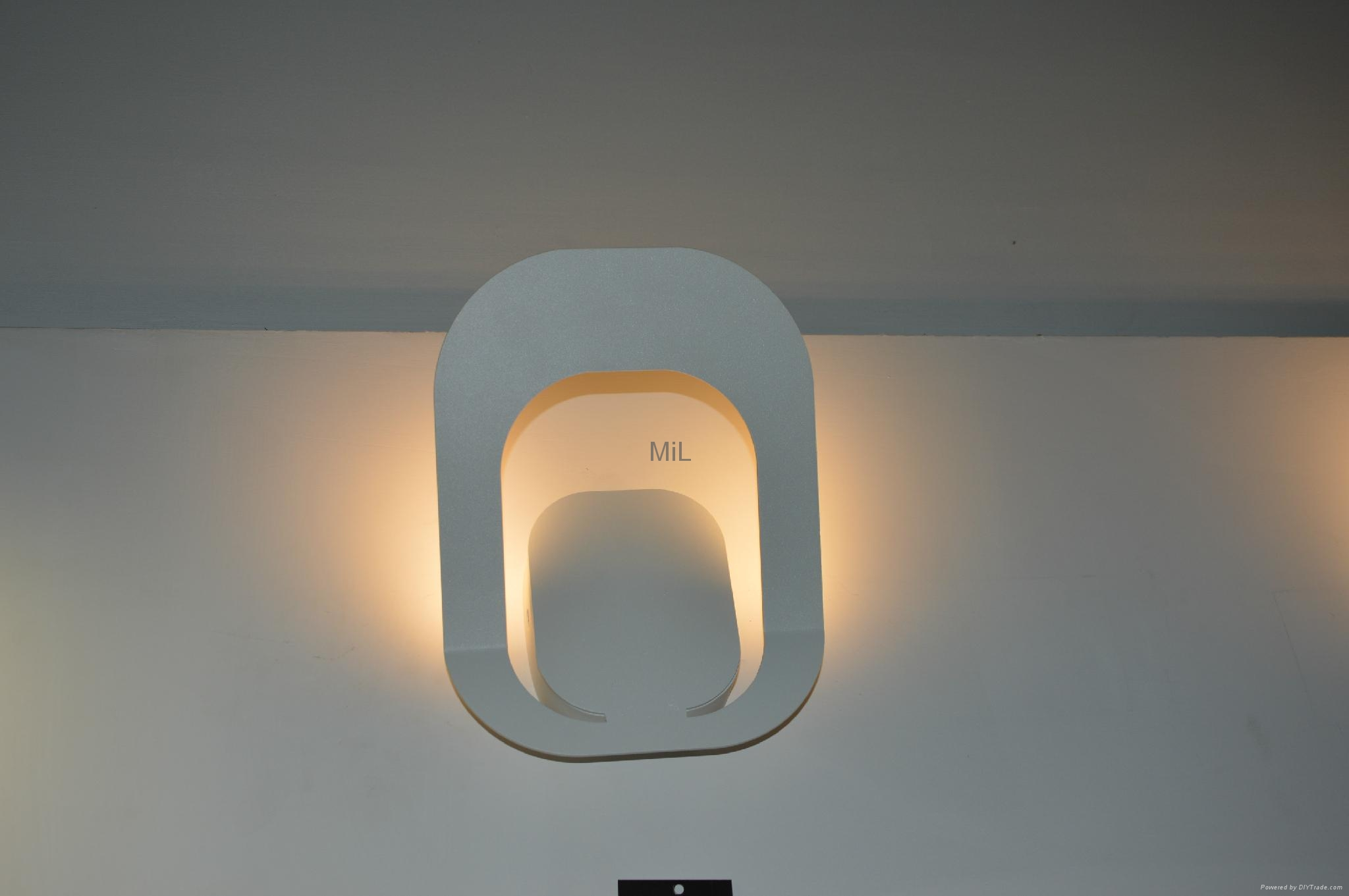 Contemporary Fashion wall lamp beside decoration light MiL-MB3337 5