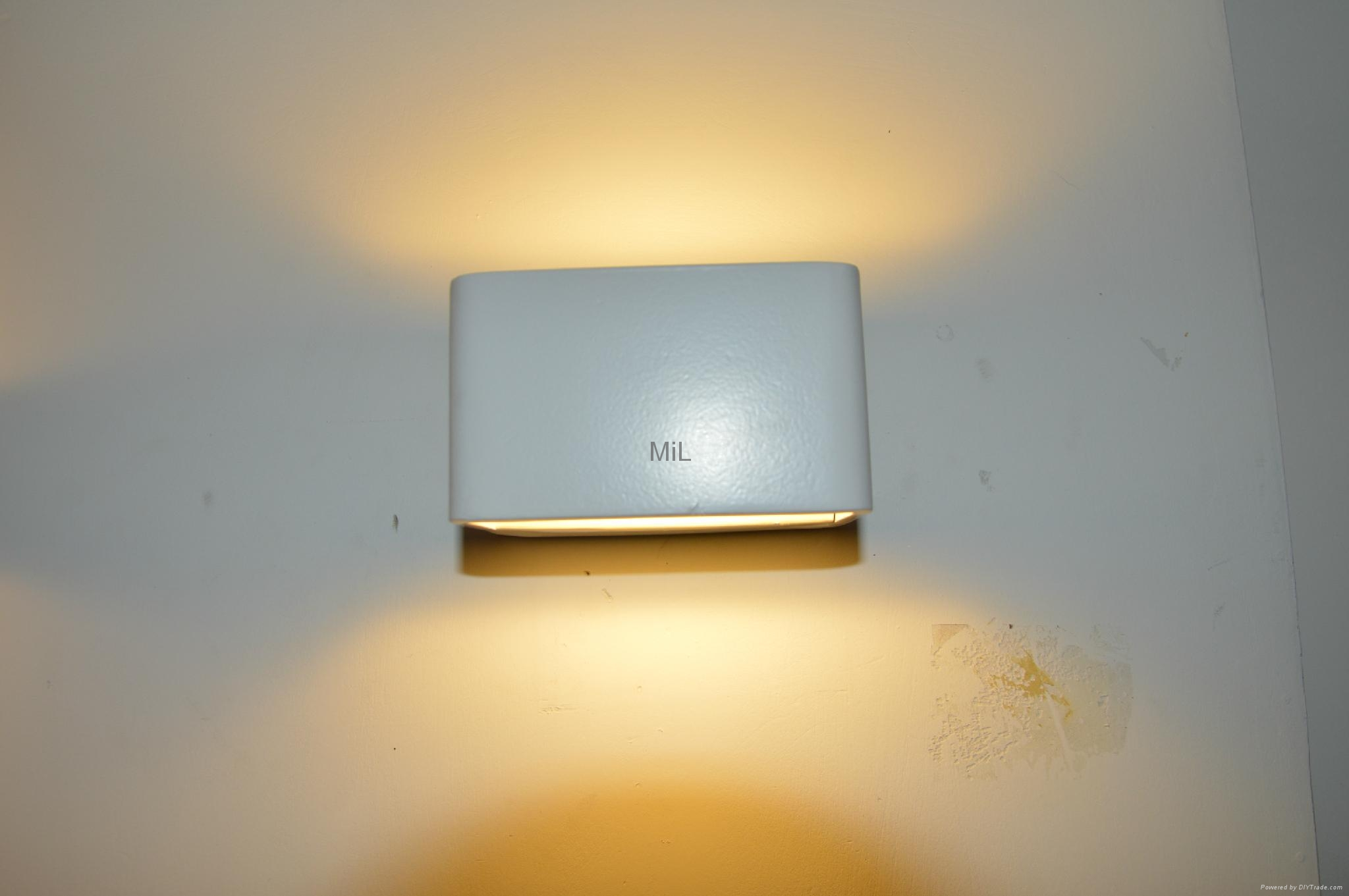 Modern LED Wall Lighting with CE &RoHS MiL-MB3335 3