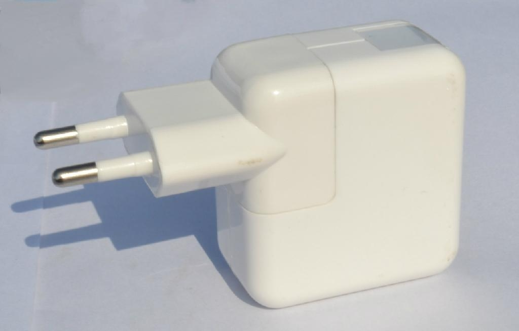 Dual USB charger with Euro plug 2