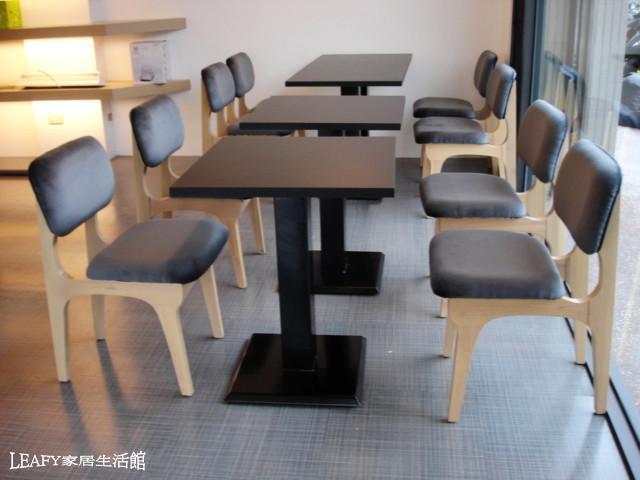 现代化餐桌椅