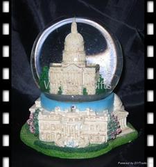 polyresin soveniers snow globe
