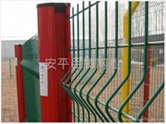 桃形柱护栏网