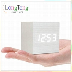 Fashion Red Imitation Wooden Cube Thermometer Vioce&Touch Activated LED Clock