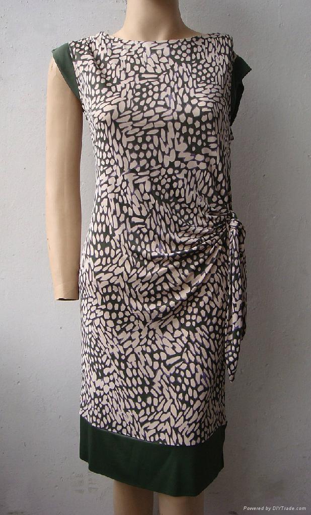 夏季新款真絲針織二色搭配修身短袖連衣裙 2