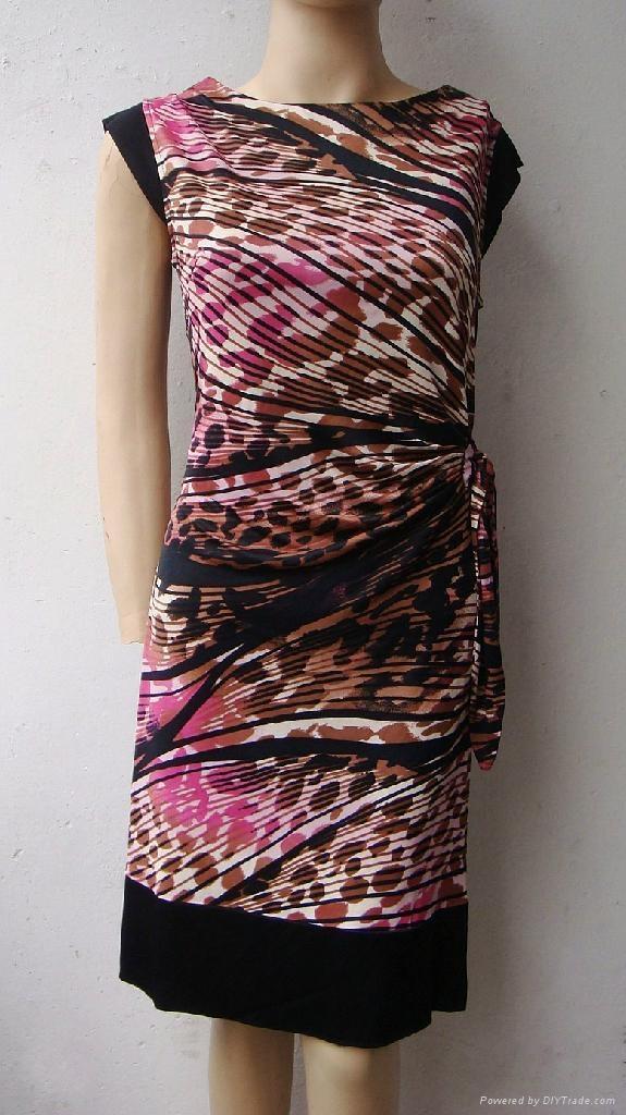夏季新款真絲針織二色搭配修身短袖連衣裙 3