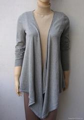 灰色修身披肩长袖衫